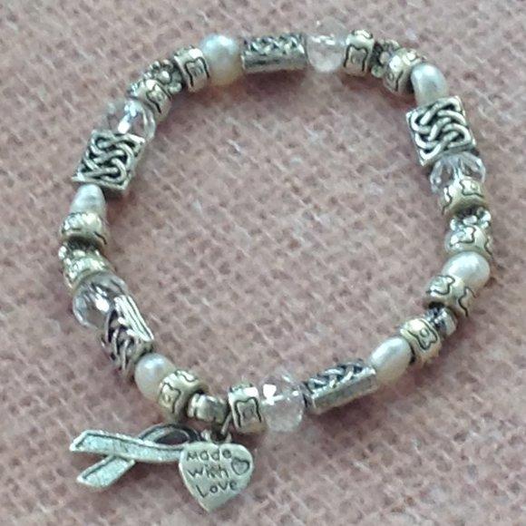 COSTUME JEWELRY $5 OR 3/$12.  Beaded Bracelet